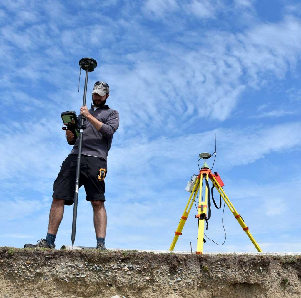 GNSS terrestrial survey at mapping the eroding edge of a site