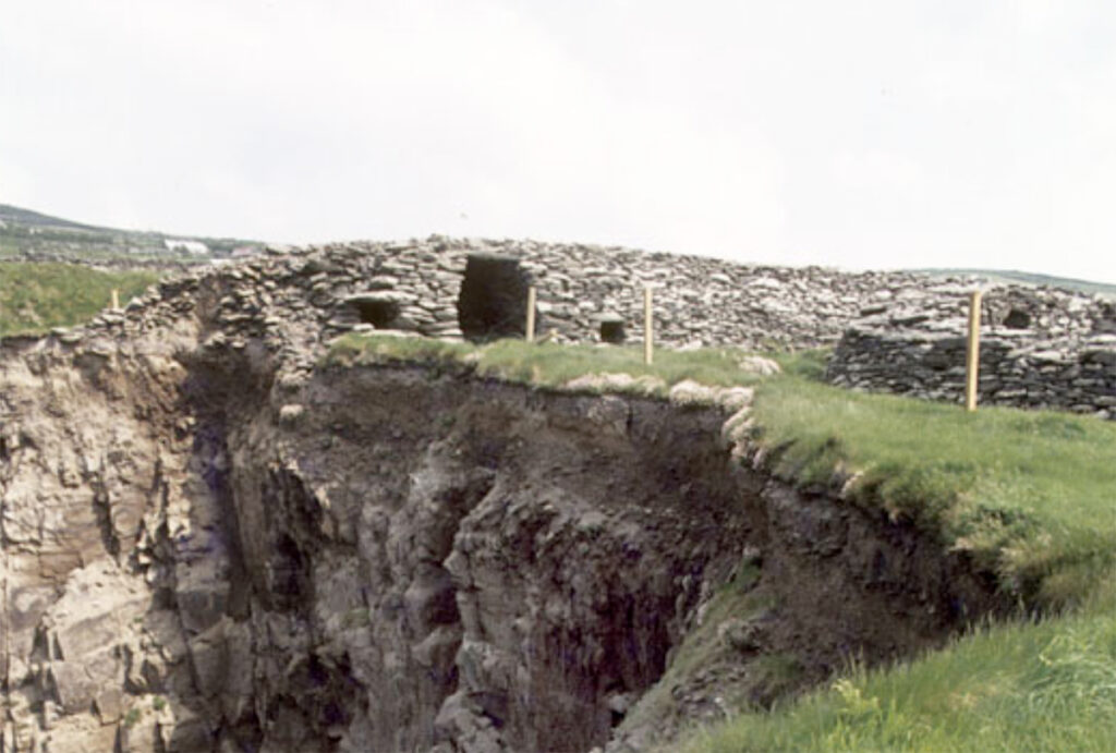 he 1970s view on the right shows the left guardhouse has started to be eroded. © Photographic Archive, National Monuments Service, Government of Ireland.